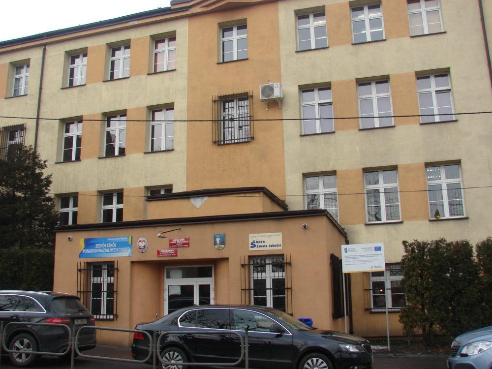 Budynek zespołu szkół tj. Cogito