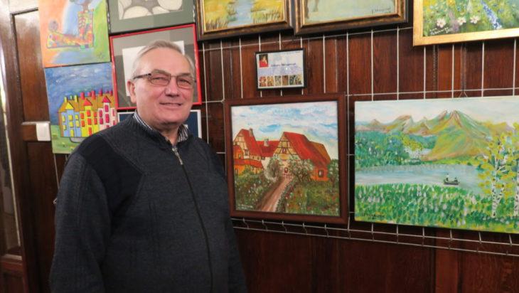 Stanisław Pilarczyk, kiedyś przedsiębiorca budowlany teraz malarz.
