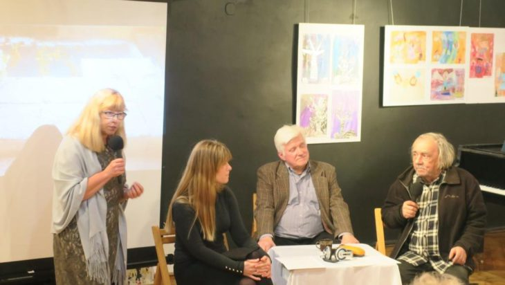 Od lewej red. Beata Tomanek, Anna i Marian Kaczmarzyk, red. Bogdan Widera.