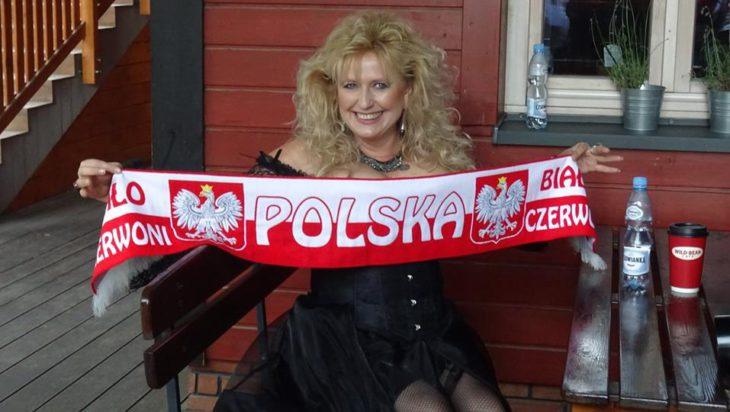 To zdjęcie Alicji Boncol zamieszcza portal Festiwalu Country w Mrągowie promując ją jako czołową gwiazdę tej imprezy (26 – 27 lipca 2019 rok).
