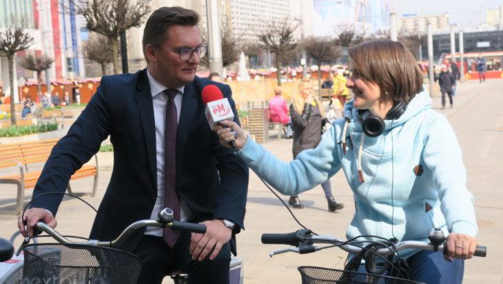 Niestety, prezydent Krupa jak zauważyliśmy tylko siada na rower w trakcie udzielania wywiadu.