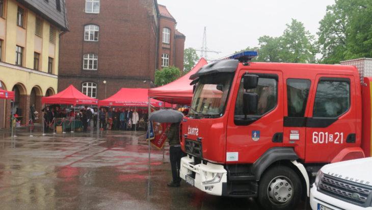 Nie mogło zabraknąć samochodów strażackich.