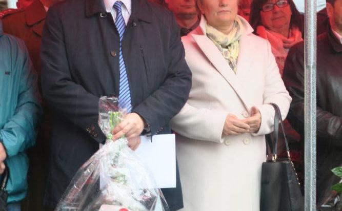 Prezes WFOŚiGW Tomasz Bednarek oraz radna Danuta Sobczyk.