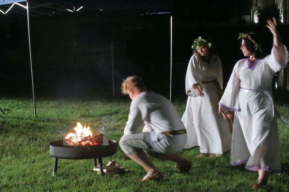 W czasach pogańskich ogień uważano za święty.