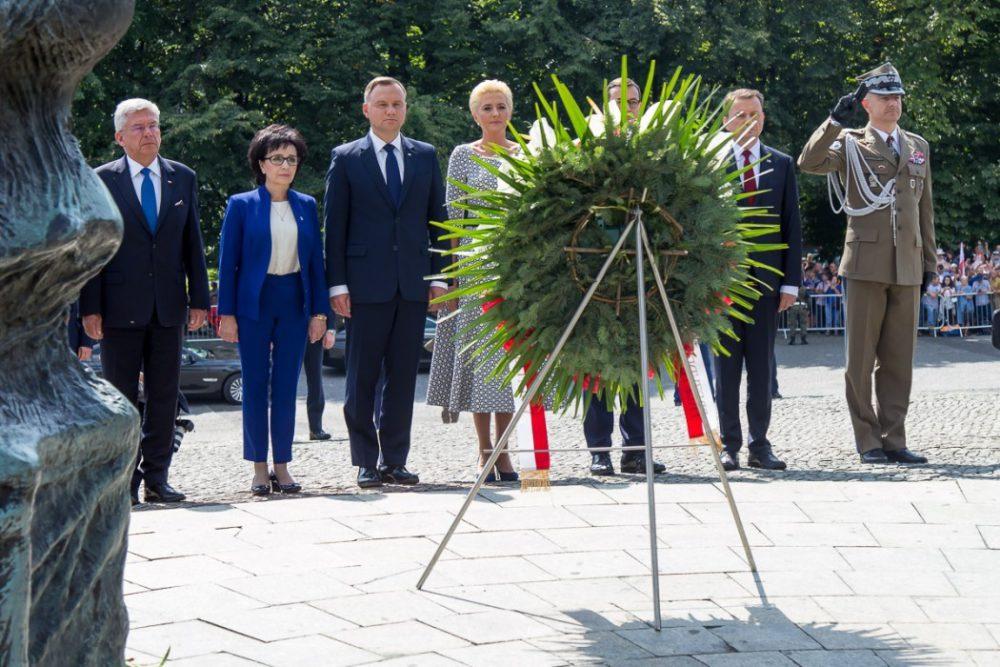 Podczas złożenia kwiatów przed Pomnikiem Powstań Śląskich przez prezydenta Andrzeja Dudę.