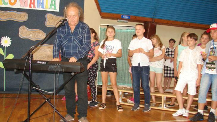 Tak było roku temu podczas inauguracji roku szkolnego w SP 13. Wystąpił tam muzyk Józef Skrzek.