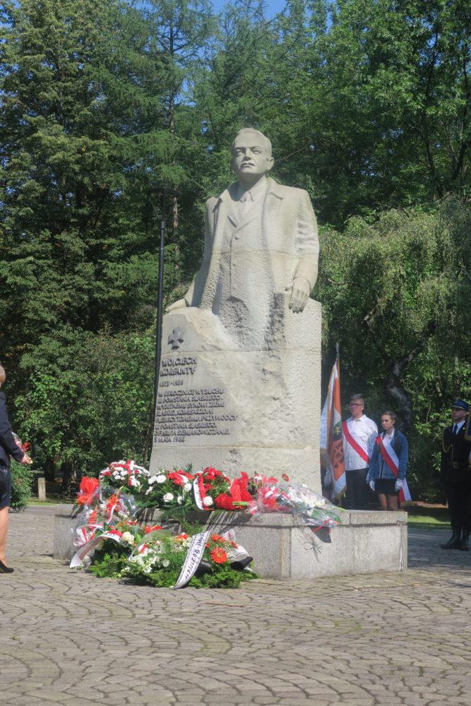 Pomnik dyktatora III powstania Wojciecha Korfantego (przed USC).