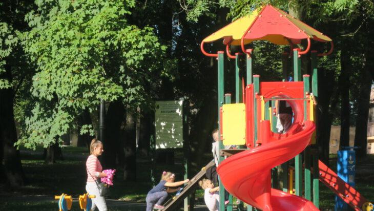 Plac zabaw, Park Górnik im druha Stanisława Dykty.