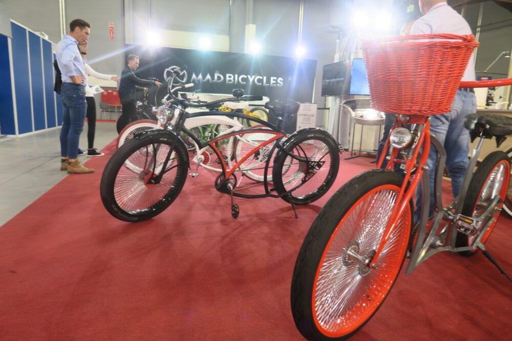 Ferrari wśród rowerów. Te luksusowe pojazdy firma z Białegostoku wykonuje na podstawie szkicu - zamówienia klienta w jednym egzemplarzu.