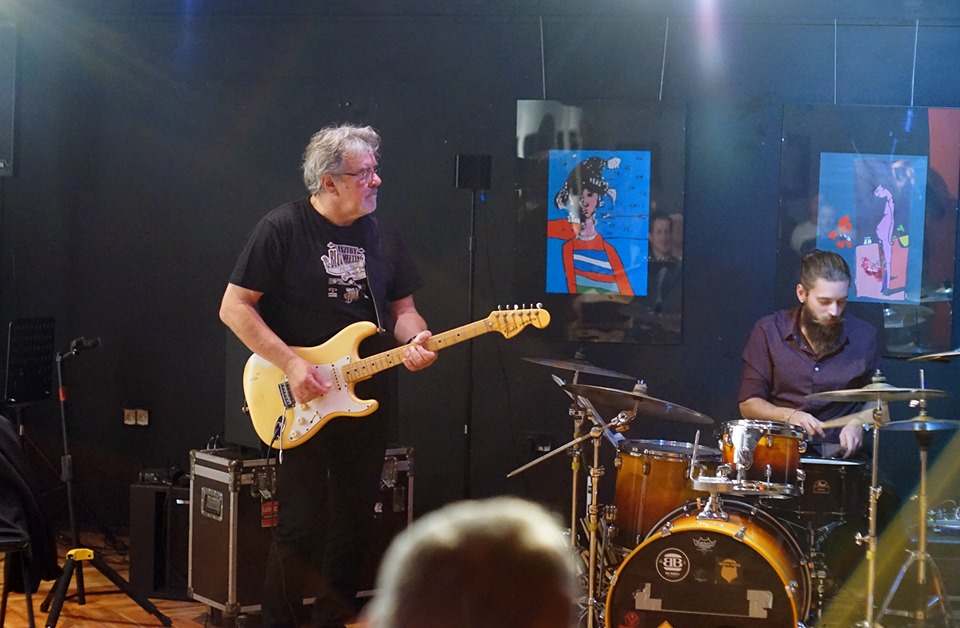 Podczas jam session zespołu Winder Ścierański Band.