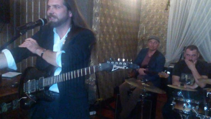 Od wielu lat na konkursie występuje muzyk Radek Matysek.