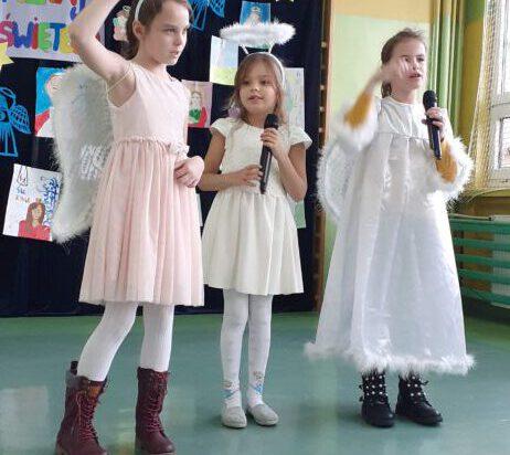 Śpiewające aniołki.