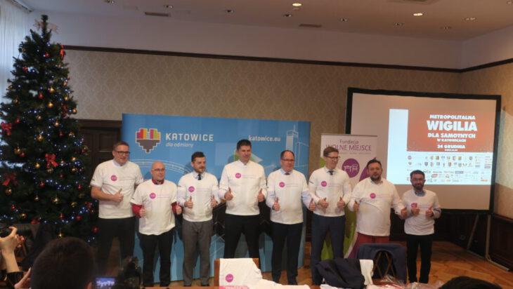 VIP-owie w specjalnych T-shirtach Fundacji Wolne Miejsce, głównego organizatora imprezy.