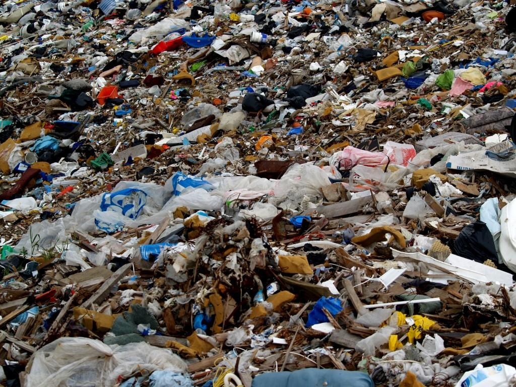 W mijającym roku statystyczny mieszkaniec Górnoślasko-Zagłębiowskiej Metropolii wytworzył 446 kg odpadów. Siemianowice liczą 70 tys. mieszkańców więc rocznie powstaje 30 tys. ton śmieci.