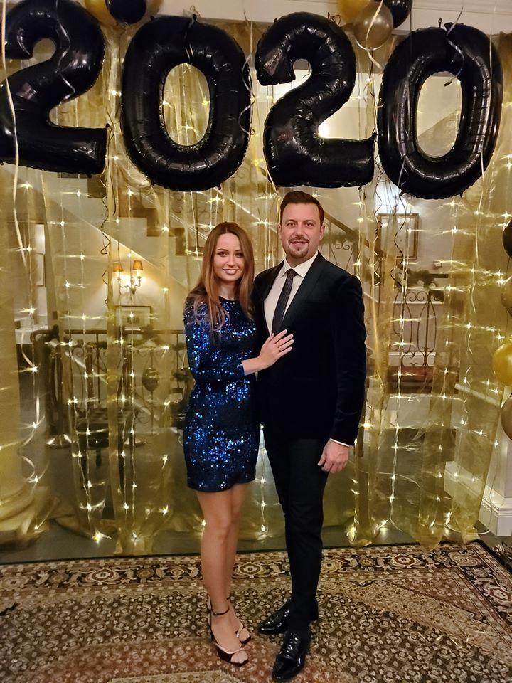 Pół godziny przed północą z 31 grudnia 2019 na 1 stycznia 2020 życzenia Do Siego Roku dla mieszkańców złożyła prezydencka para Joanna i Rafał Piechowie.