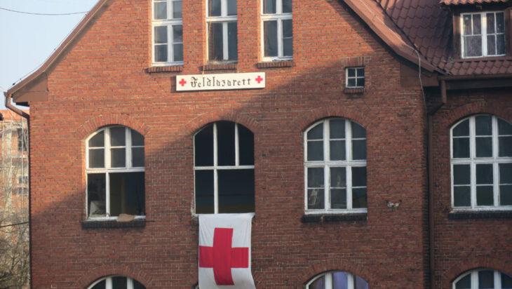 Oznaczenia szpitala wojskowego.