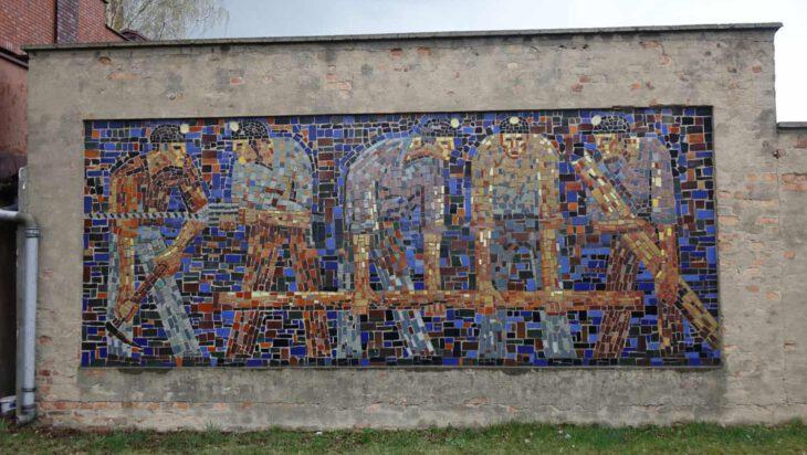 Autorem mozaiki w Siemianowicach-Michałkowicach jest…