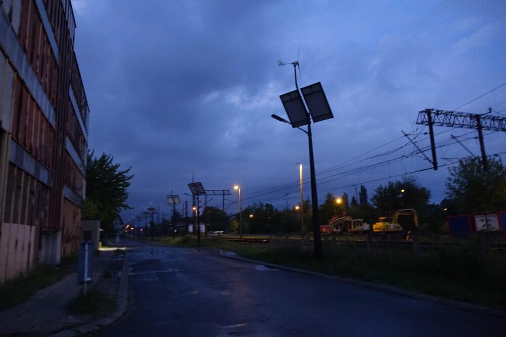 ulica Dworcowa w nocy