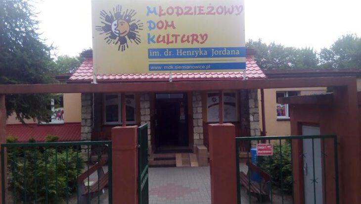 Siemianowice: Powolne odmrażanie szkół i placówek opiekuńczych