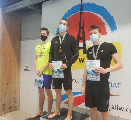 4 Mateusz Chowaniec na najwyższym stopniu podium