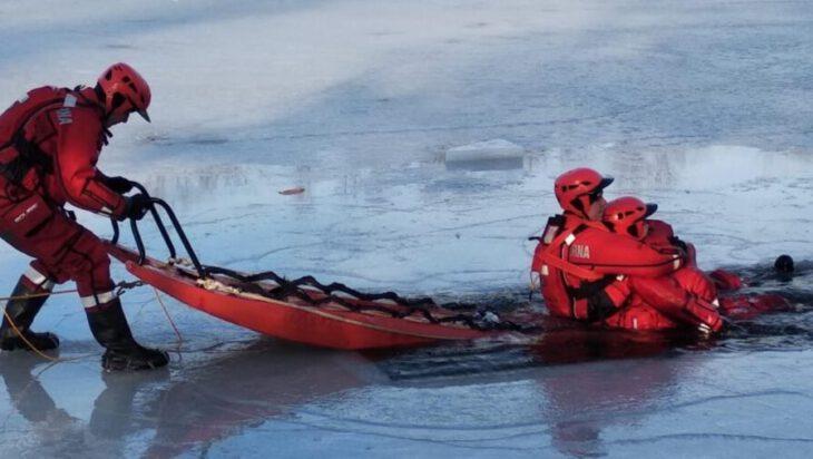 Siemianowice. Lodowe ćwiczenia na Rzęsie