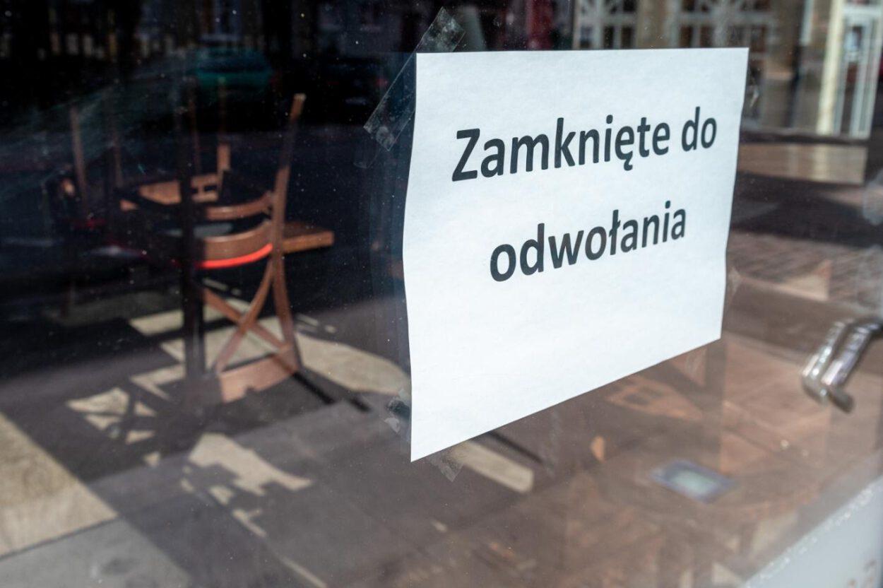 kartka na restauracji w siemianowicach - zamknięte do odwołania