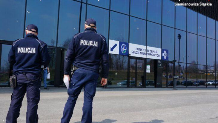 Pierwsi siemianowiccy policjanci zaszczepieni
