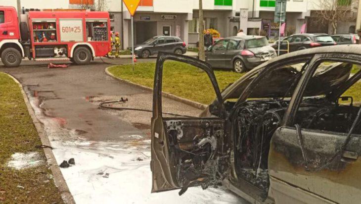 Siemianowice. Pożar samochodu przy ul. Stawowej
