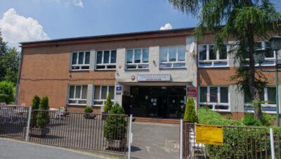 Siemianowice: Wybiegły dzieci ze szkoły…