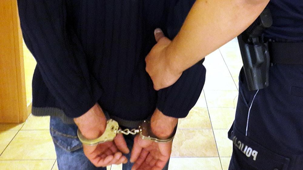 kajdanki i zatrzymanie za nielegalne automaty w siemianowicach na lipowej