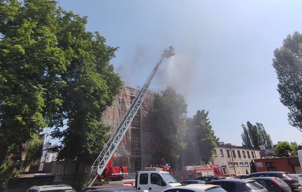 Pożar na ul. Dworcowej - fot. FB-SiemianowiceSubiektywnie(1)