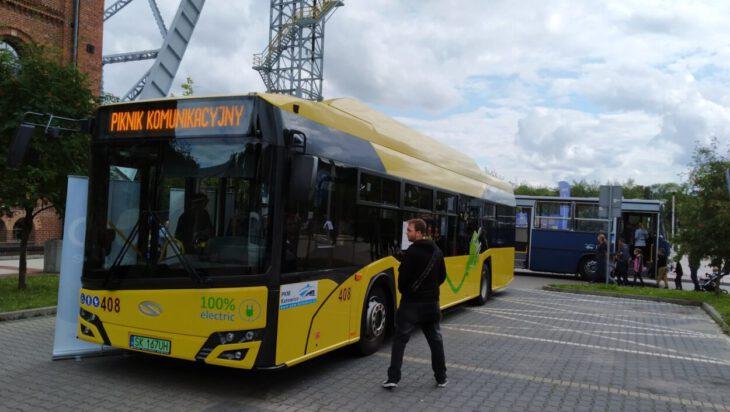 żółty autobus pod szybemy krystyn siemianowice
