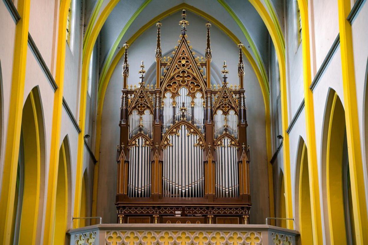 organy w kościele pw świętego krzyża siemianowice śląskie