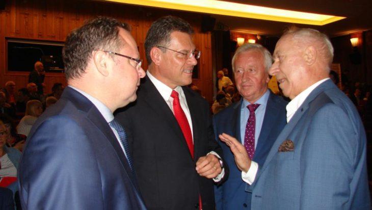 Wiceprzewodniczący Komisji Europejskiej Maroš Šefčovič w rozmowie z profesorem Adamem Gierkiem