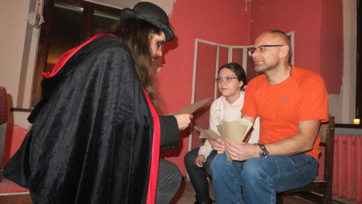 Wizyta u Wolanda. Siemianowicki gitarzysta i alpinista Adama Bul z córką.