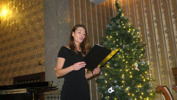 Dominika Urbańczyk, flet i śpiew.