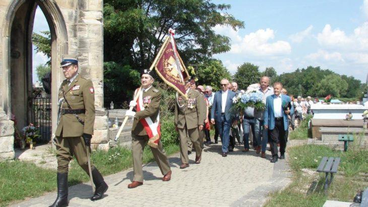 Poczet sztandarowy Ludowego Wojska Polskiego