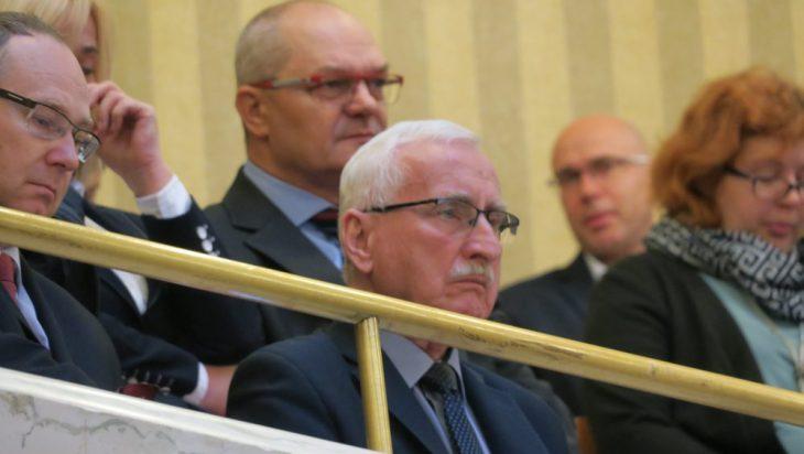 Andrzej Gościniak śledził obrady z balkonu.