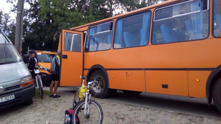 Autobus koniec wyścigu był pełen