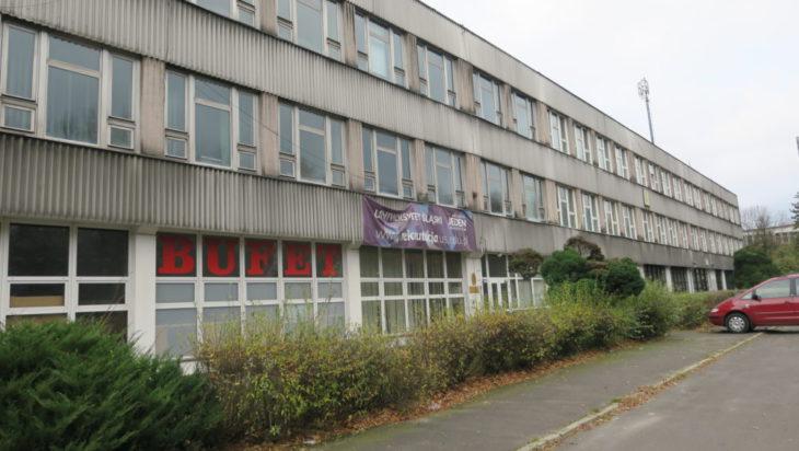 Były Wydział RTV Uniwersytetu.