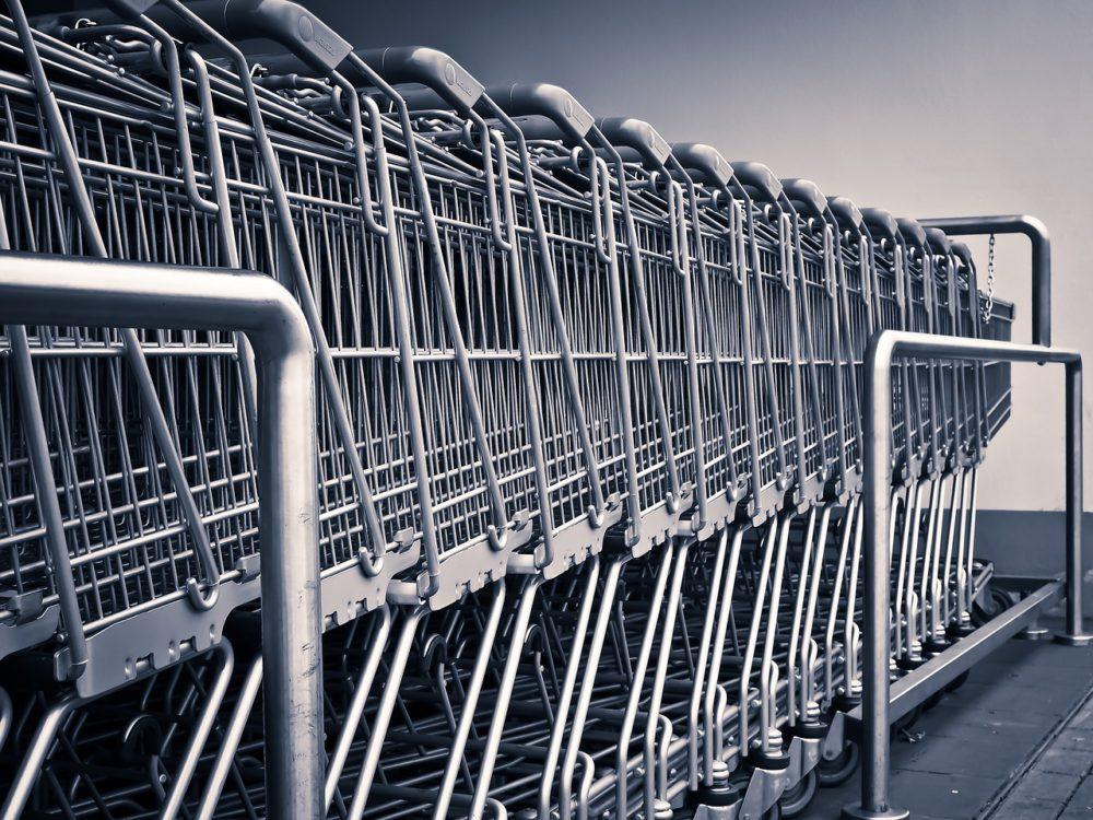 wózek sklepowy, kradzież w sklepie