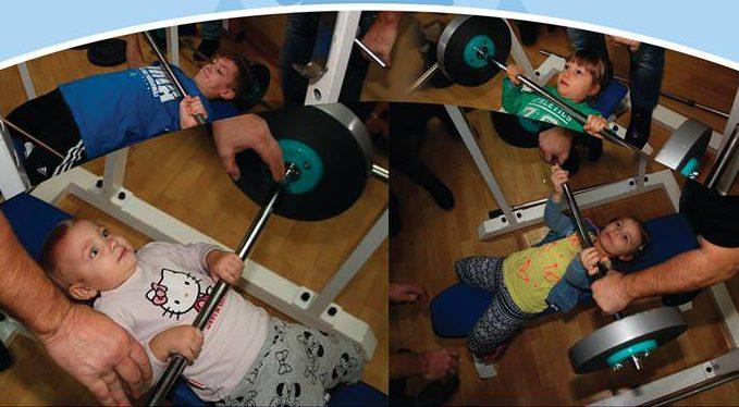 II Mikołajkowy Turniej dla dzieci w wyciskaniu sztangi leżąc