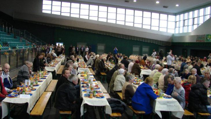 wielkanocne śniadanie 2018 hala zborna